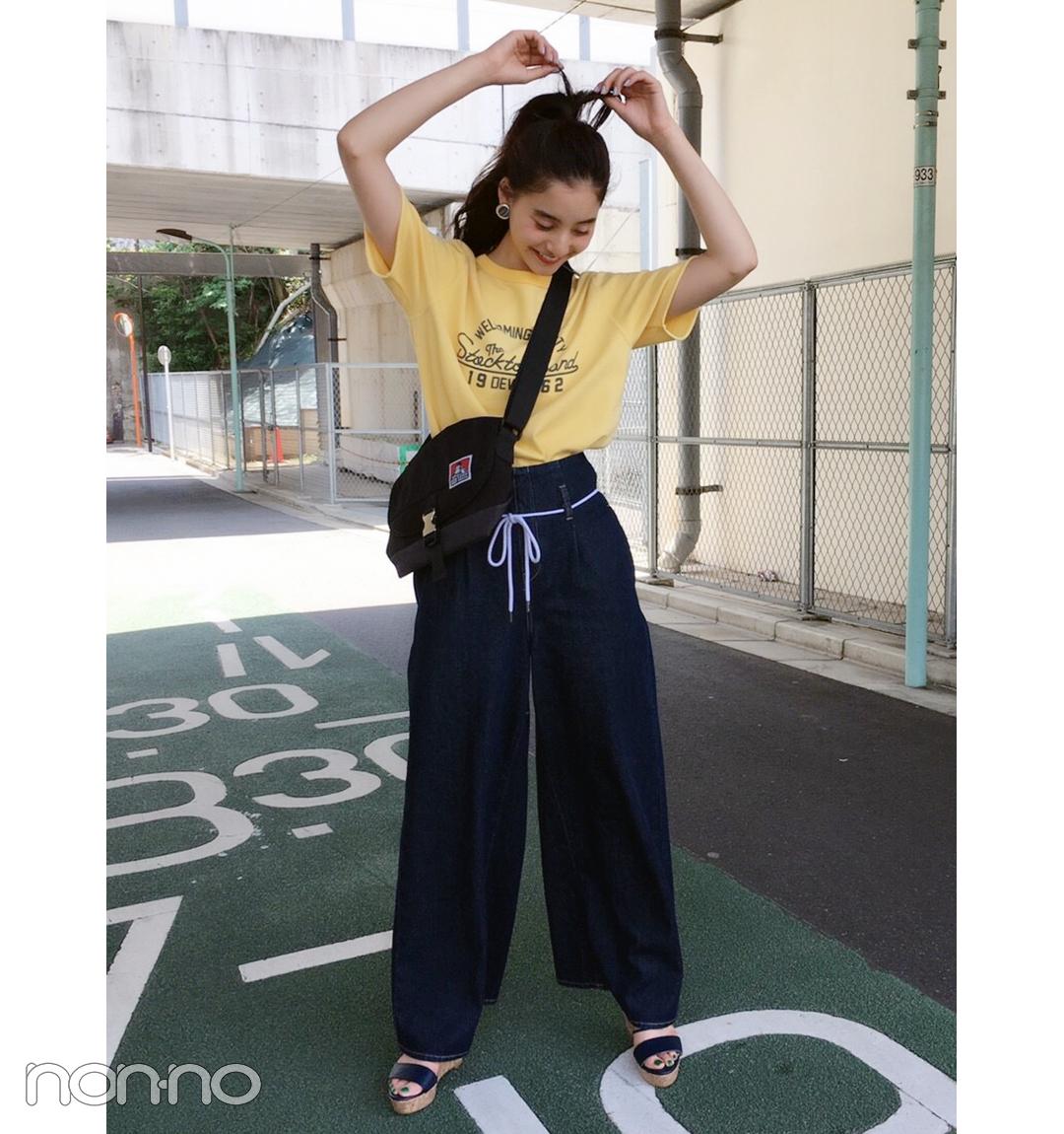 新木優子はワイドデニムをイエローTで夏らしく【毎日コーデ】