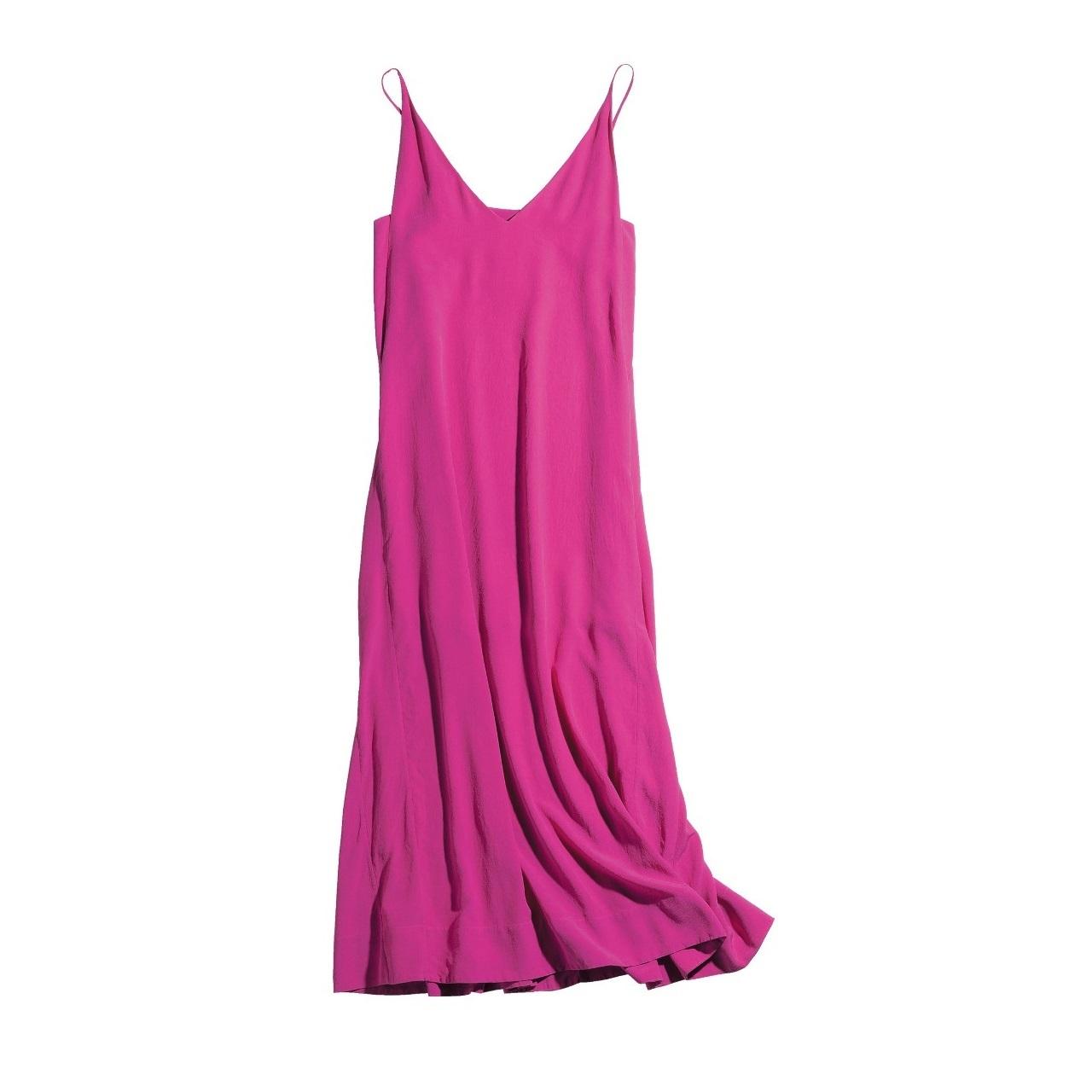 夏もピンクが着たい! 大人っぽく着こなすには濃い目を選んで_1_1