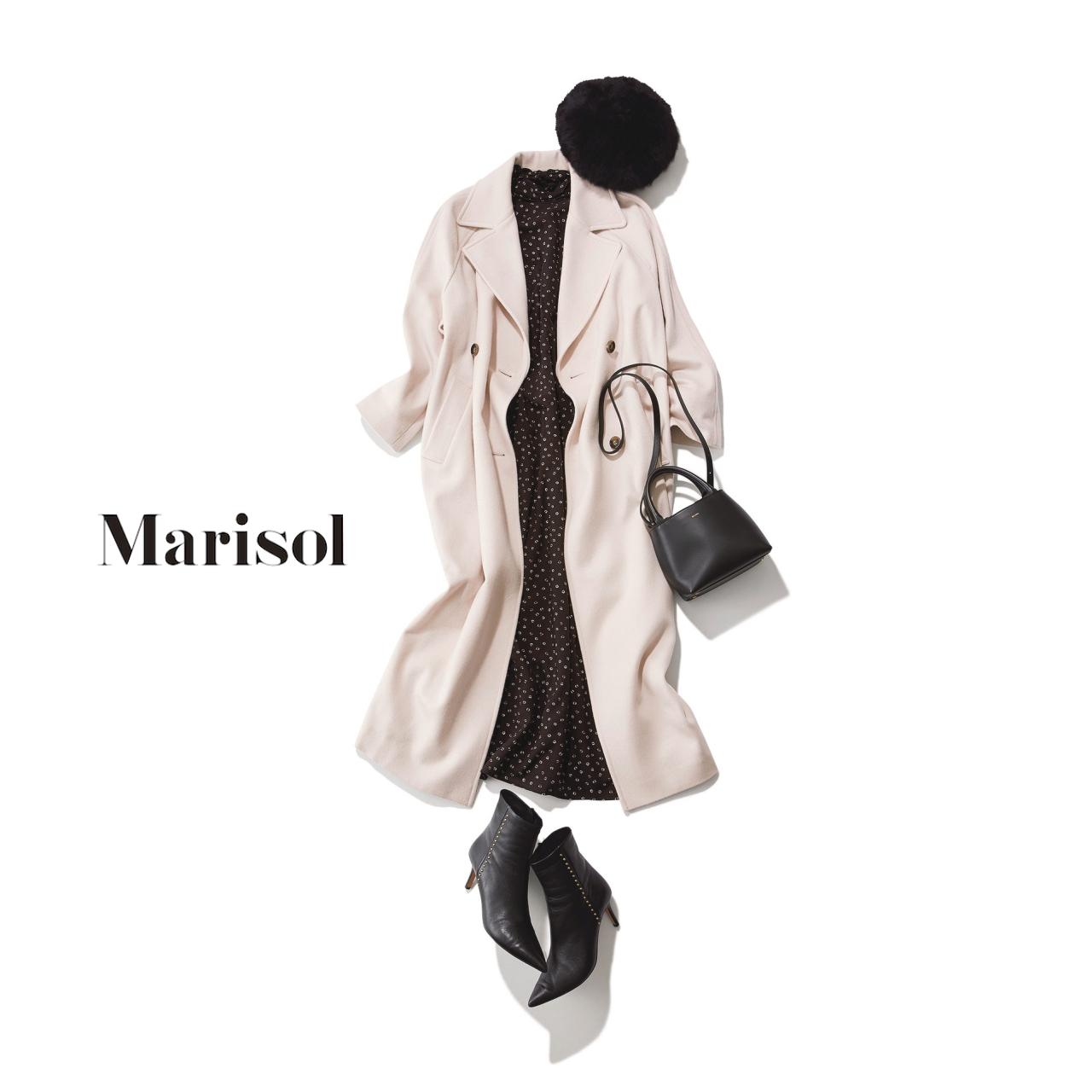 40代ファッション ピンクベージュコート×黒ドット柄ワンピースコーデ