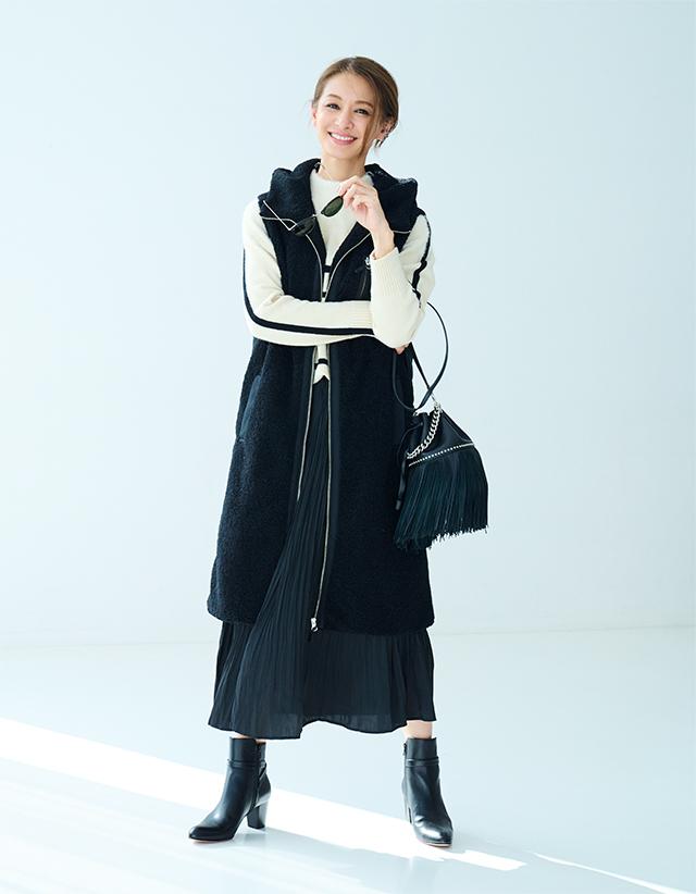 【Style 01】技ありボーダの一点投入で、秋のブラックコーデをリズミカルに