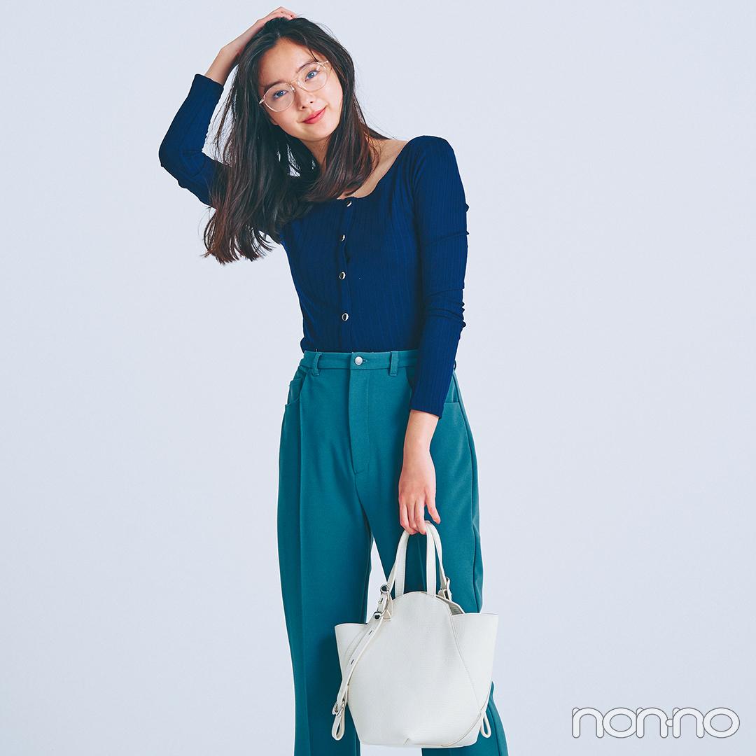 新川優愛はネイビー×深みグリーン、シックな配色で大人っぽく【毎日コーデ】