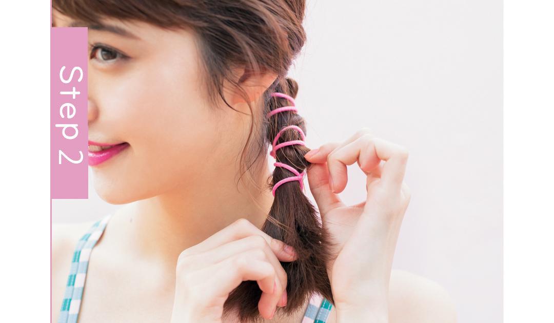 ビーチ女子会なら、濡れても可愛い一つ結びヘアアレンジ♡ _1_4-2