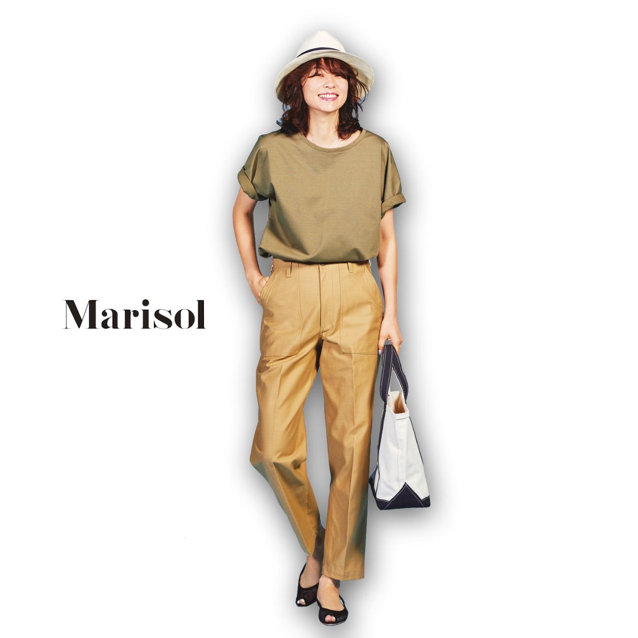 40代ファッション カーキTシャツ×チノパンツコーデ