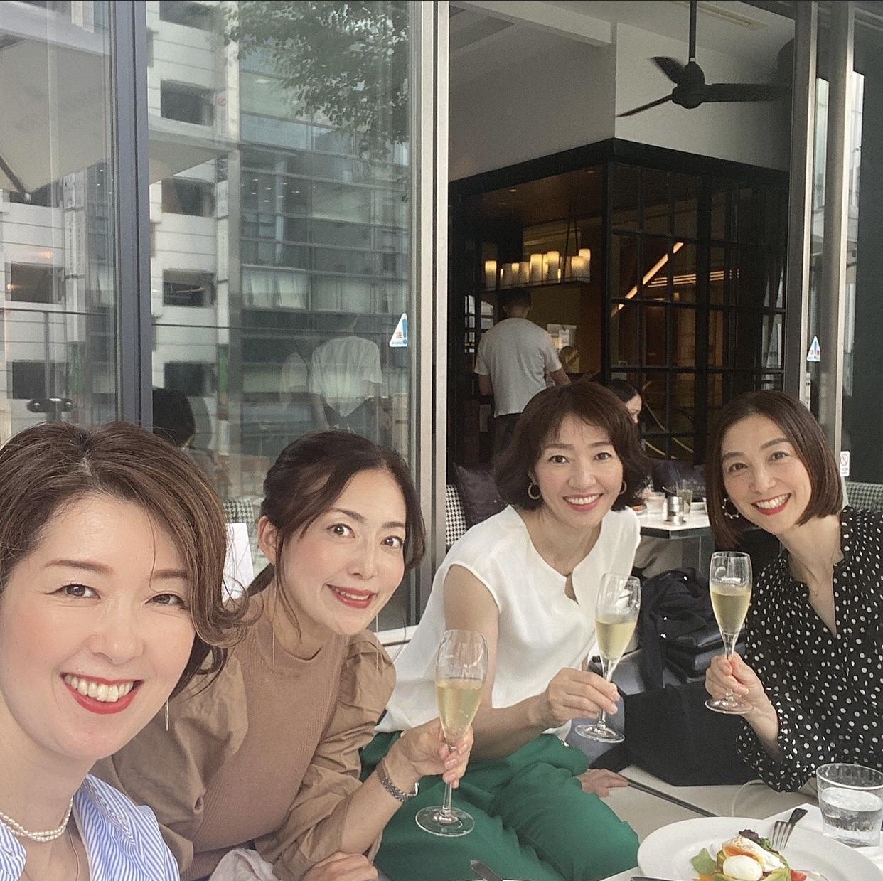 ショートボブ&水玉で華組銀座ランチ♩_1_4-5
