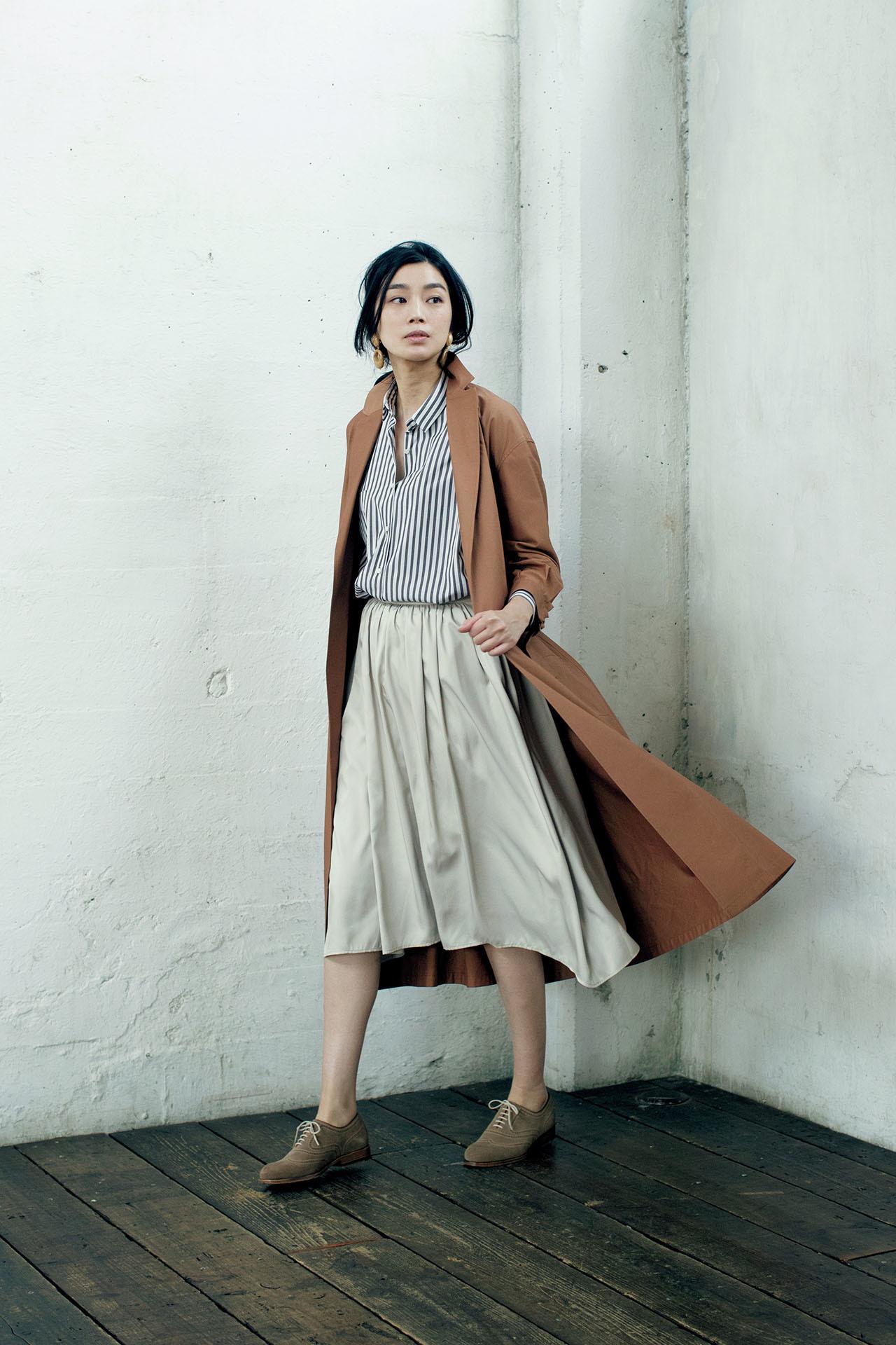 とろみ素材&プリーツスカートがあれば、品ありな女性らしさがかなう! 五選_1_1-3