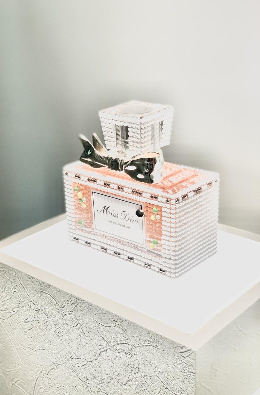 濃ベージュシャツで 華組の豊田真由美ちゃんとMiss Dior Exhibitionへ。_1_3-1