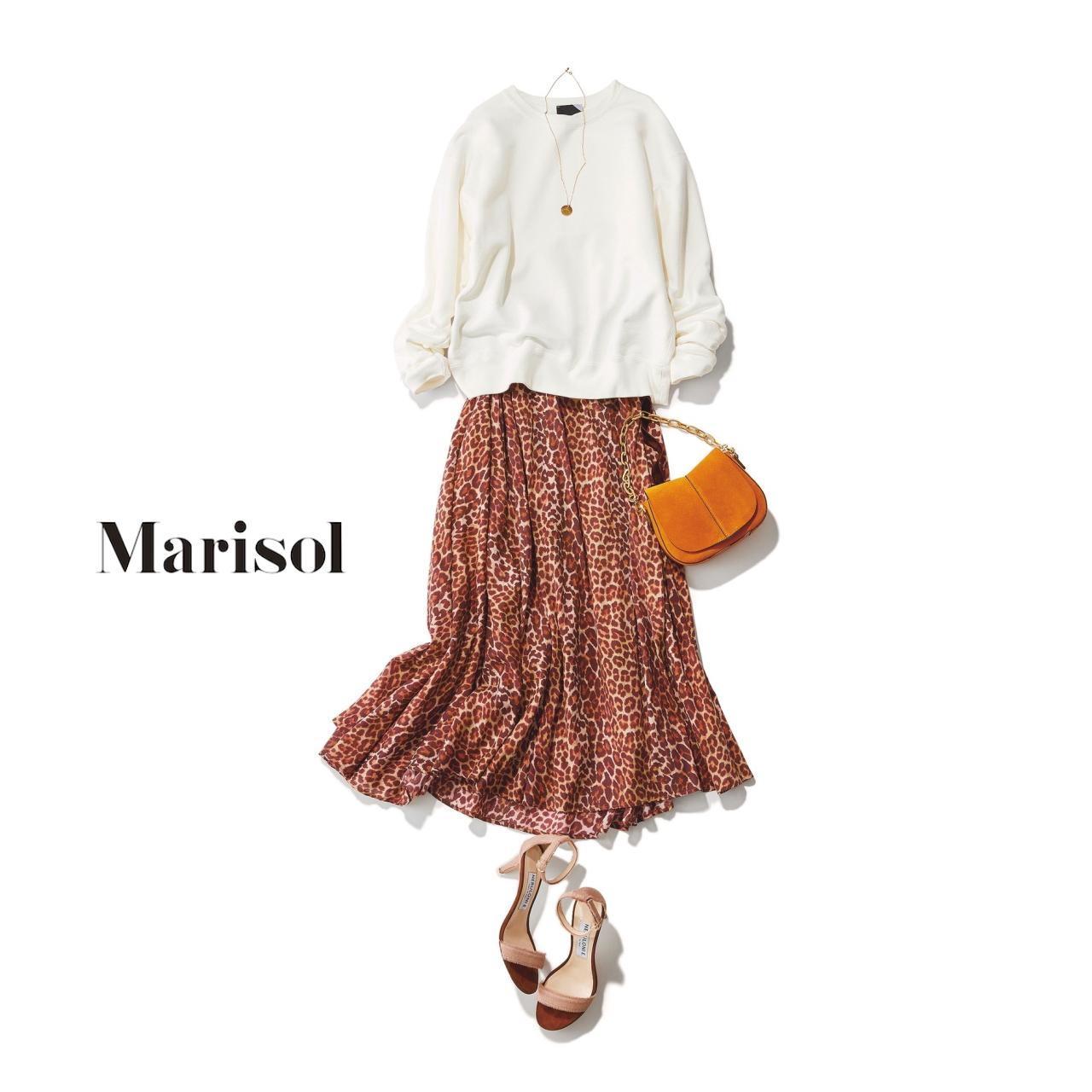 40代ファッション 白スウェット×レオパード柄スカートコーデ