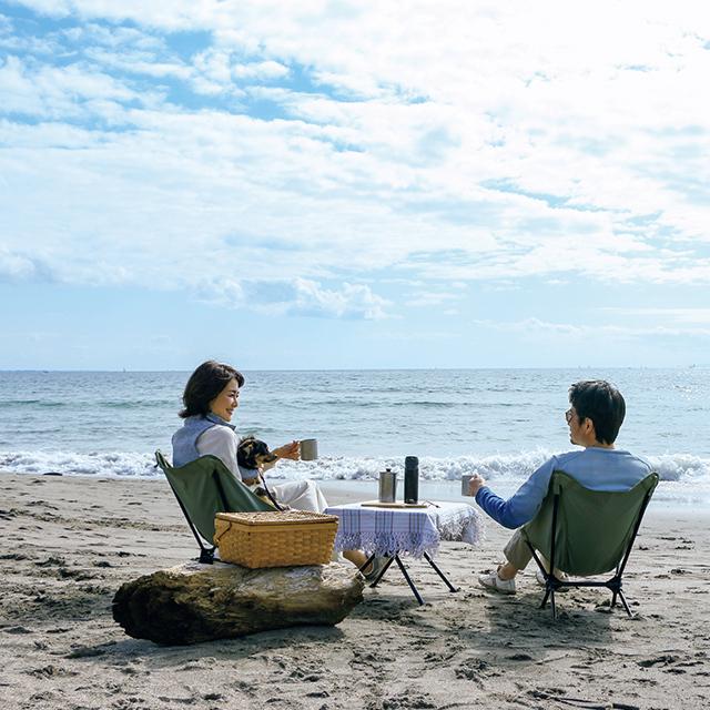 車で行くメリットは、椅子やテーブルやコーヒーセットを  一気に運べること。