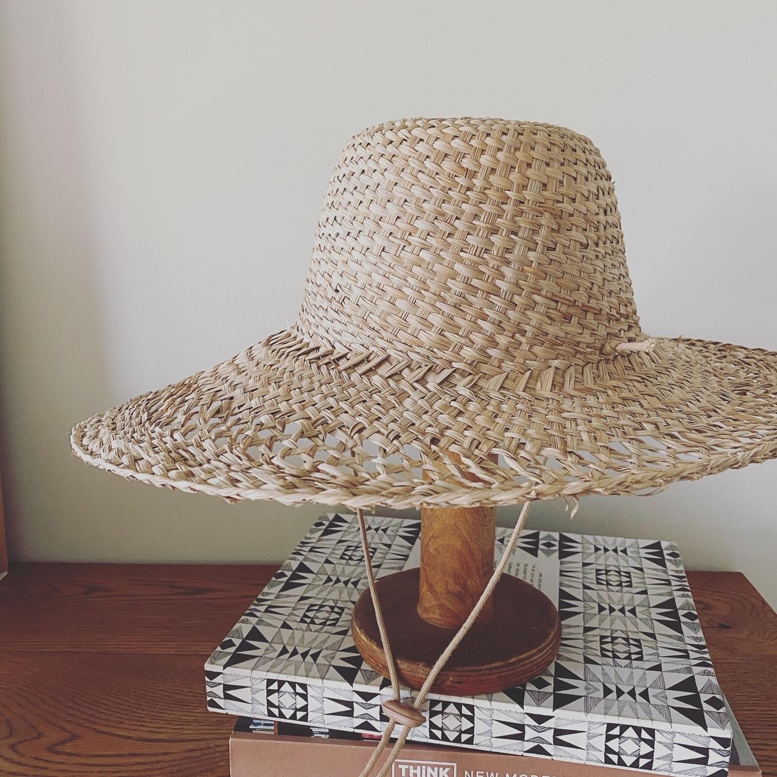 ラック オブ カラーの帽子