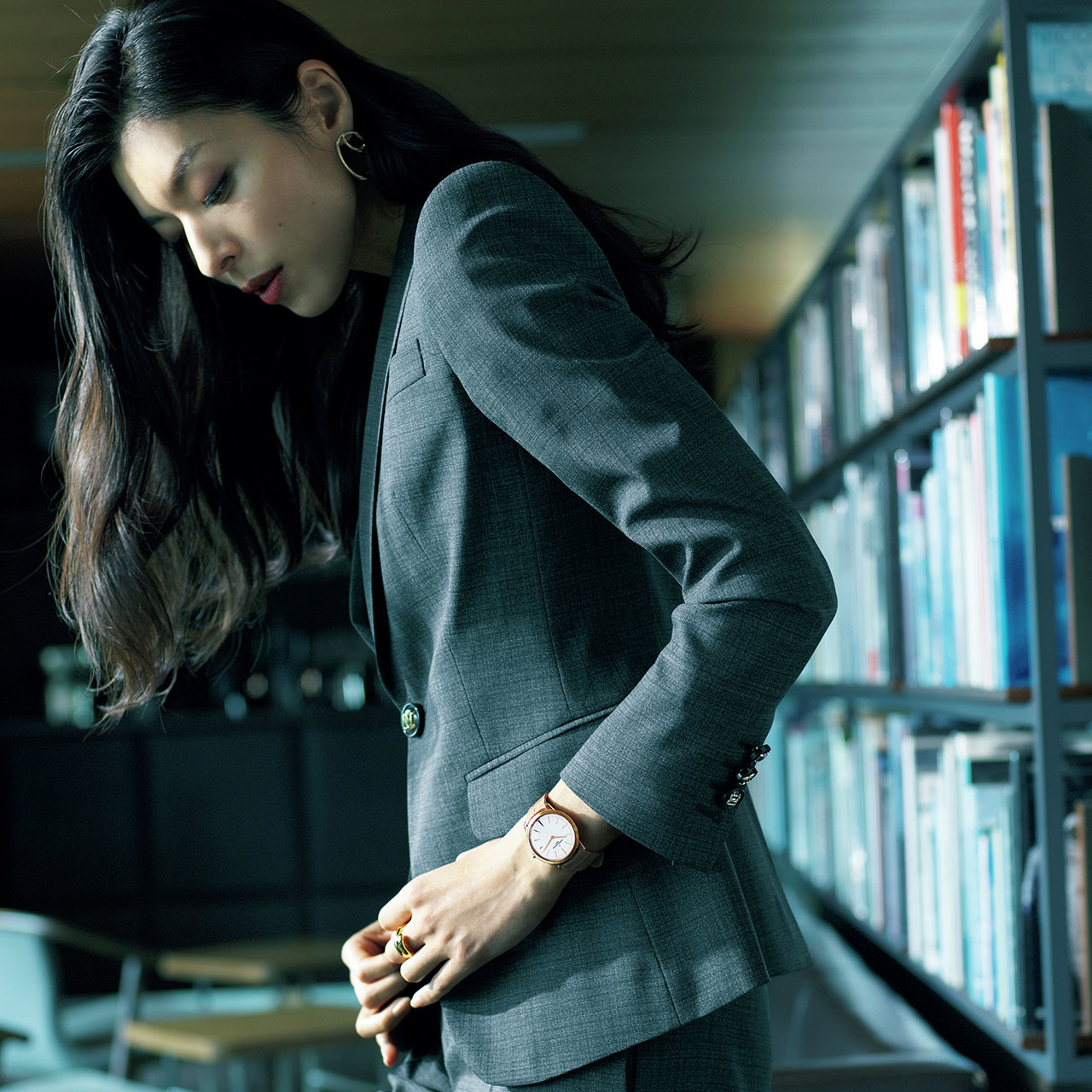 手もとに宿る品格、働く女性の最終仕上げ。華やかさと風格を添える腕時計 五選_1_1-5