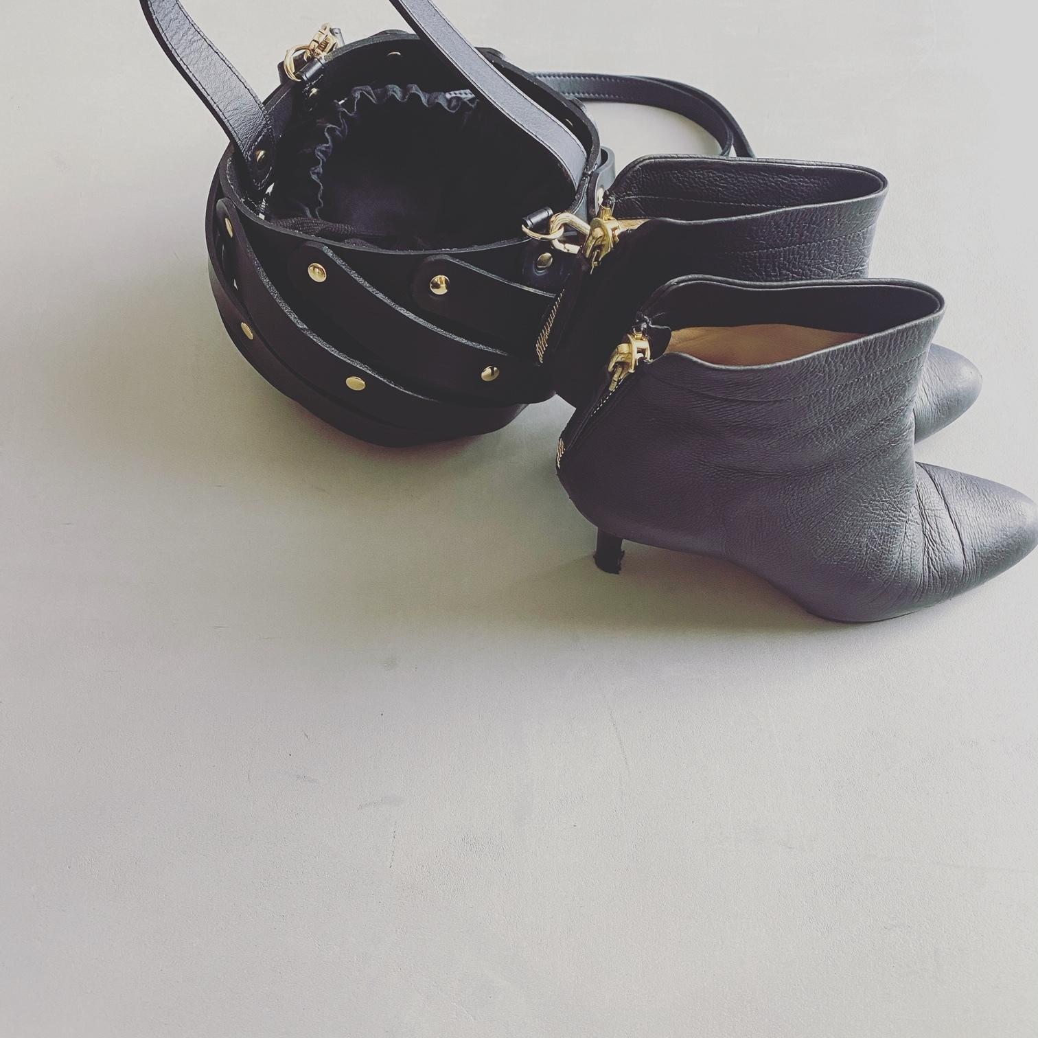 【2020年秋の小物トレンド】コーデの鮮度をUPする靴とバッグ、顔周りに華を添えるアクセを総まとめ!_1_9
