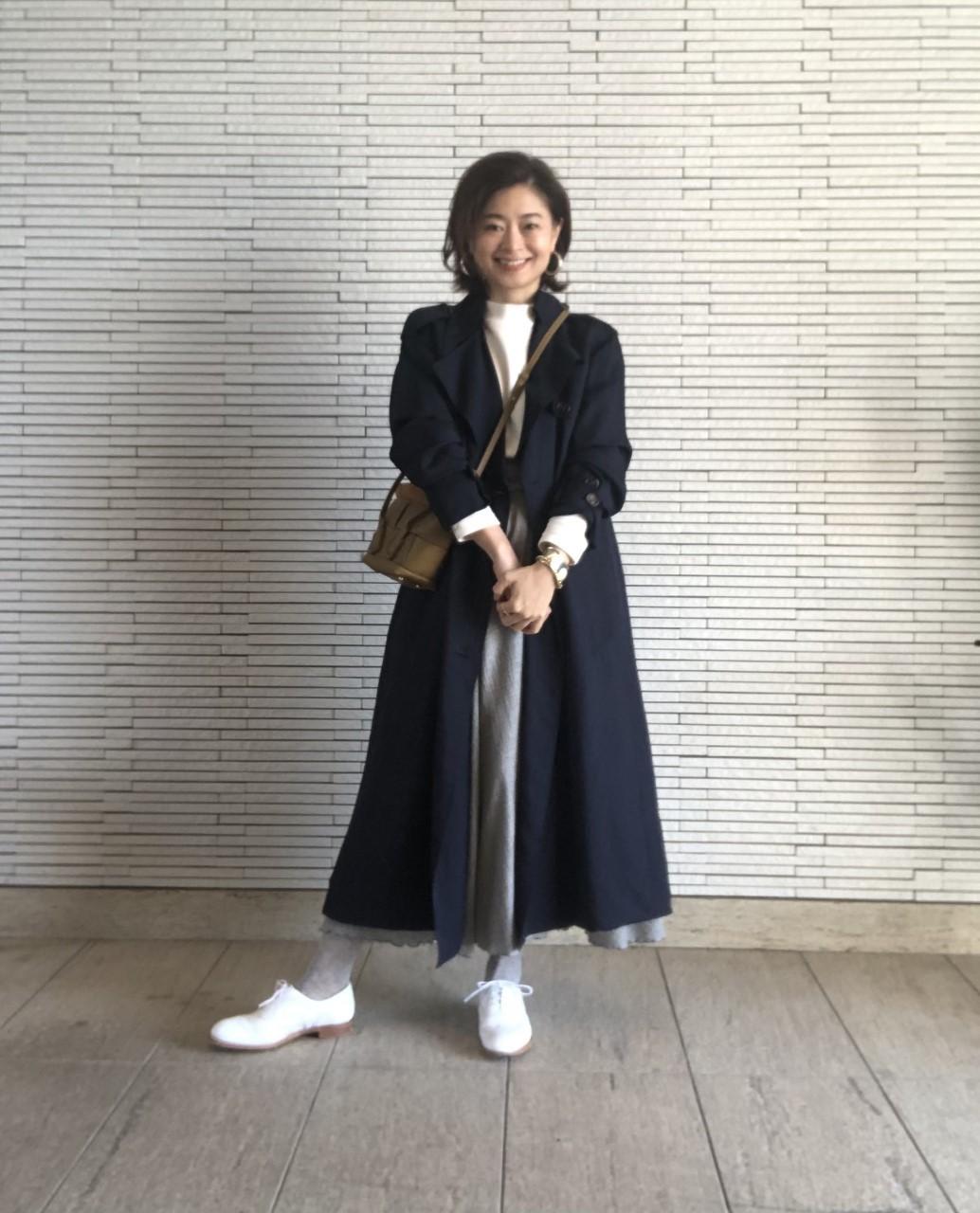 白靴+ライトグレーのタイツ 三尋木奈保