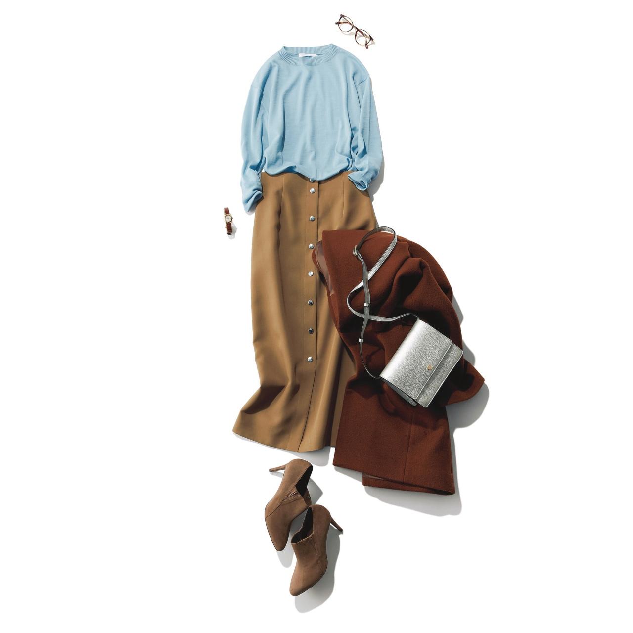 67ff9f1d408 知的なベージュの細見えスカート×華やかな印象のブルーニットを合わせてみる。ストンと落ちるタイトスカートのセンターボタンがIラインを強調して すっきり効果も。