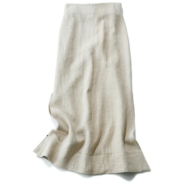 選ぶべきスカートは、広がりすぎない「ナロー」