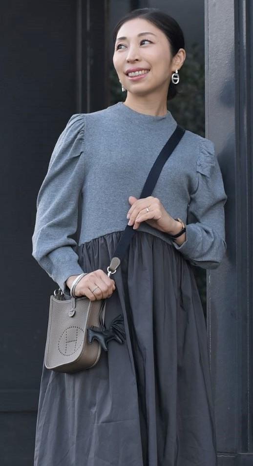 今本当に使えるバッグは、手のひらサイズのポシェット一択!_1_3