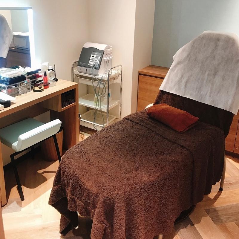 ナリス化粧品のエステサロンの個室