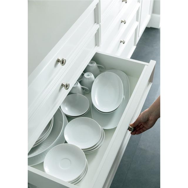 食器の収納は引き出し式
