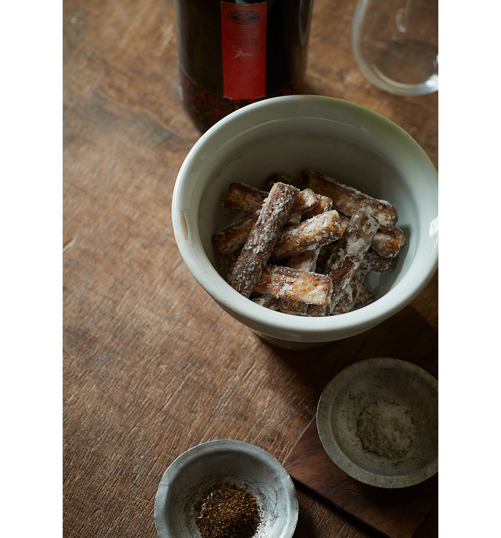 【日本の赤ワインに合うおつまみレシピ 1】ごぼうの唐揚げ1