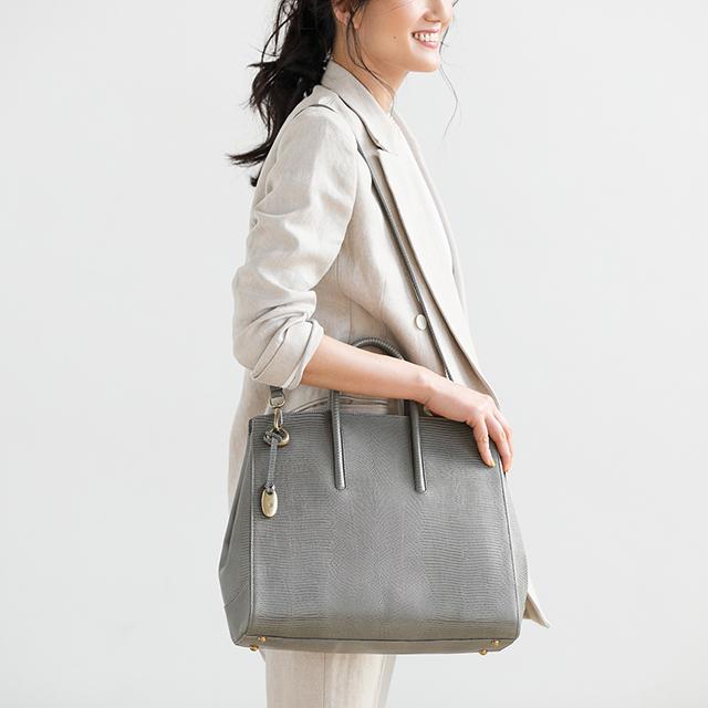 ファッションエディター・坪田あさみさんの 「トフ&ロードストーン」の最新バッグ、私流スタイリング術_1_4