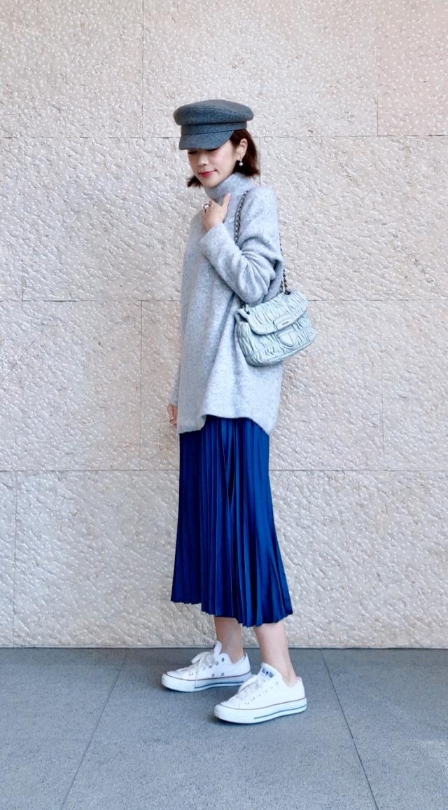 綺麗めスカートも白スニーカーで今っぽく♪_1_1