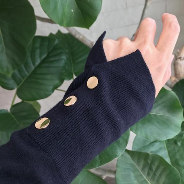 ファッション ZARAのお気に入りニットの袖のライン