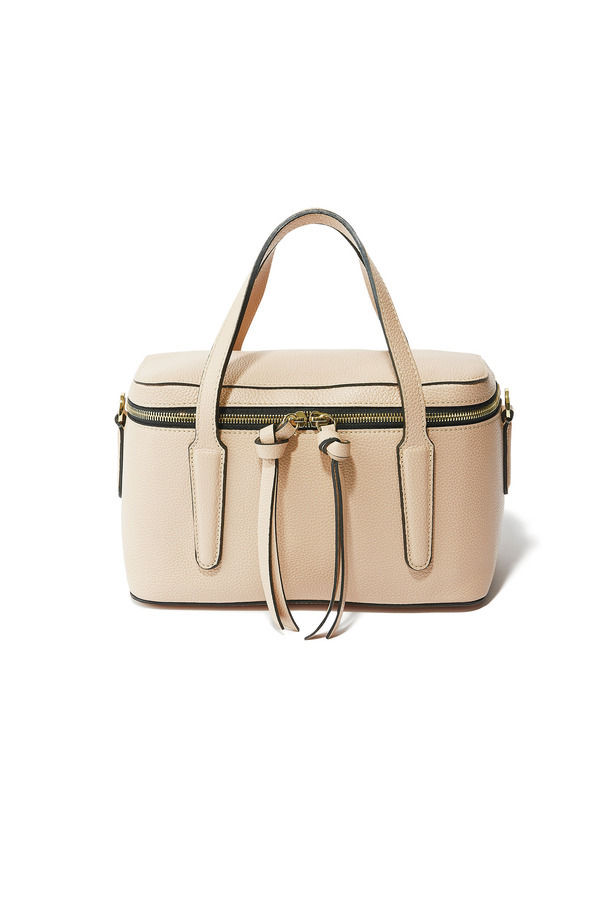 ファッション ジャンニ キアリー ニのバッグ
