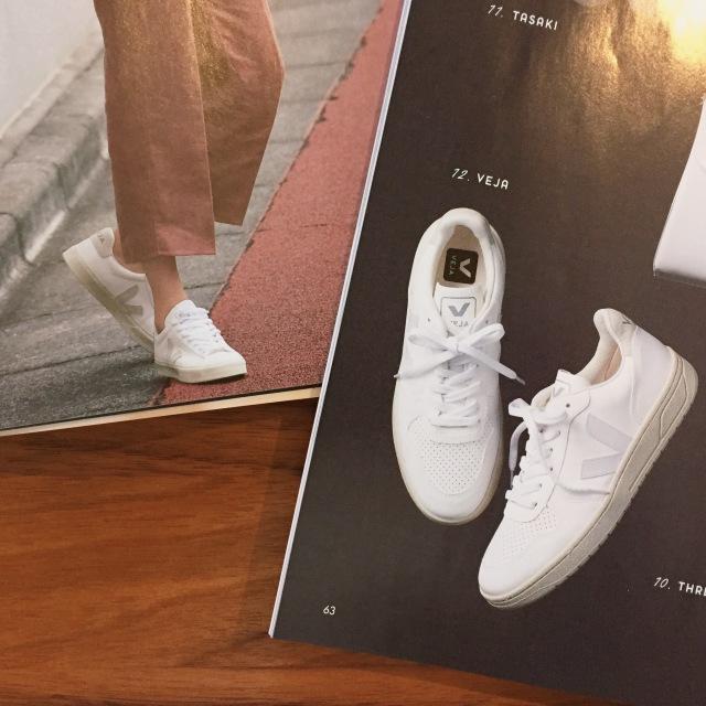 大人の白スニーカー更新☆VEJA【momoko_fashion】_1_2-1