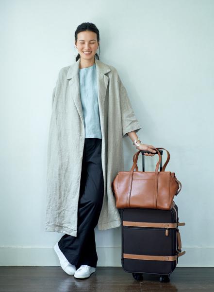 風呂敷や布ポーチを活用。愛車に乗って、日本文化を取材する旅【スーツケースの中身】_1_1