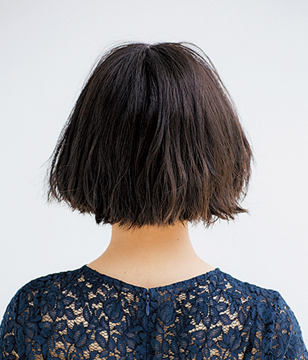 ふんわりパーマで軽やかに見せるツヤ髪ワンレンボブ【40代のボブヘア】_1_1-3