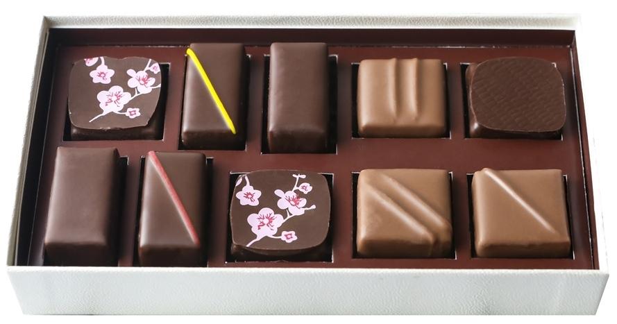 春のお手みやげにいかが? ラ・メゾン・デュ・ショコラから桜色のエクレールが日本限定品発売_1_2-1