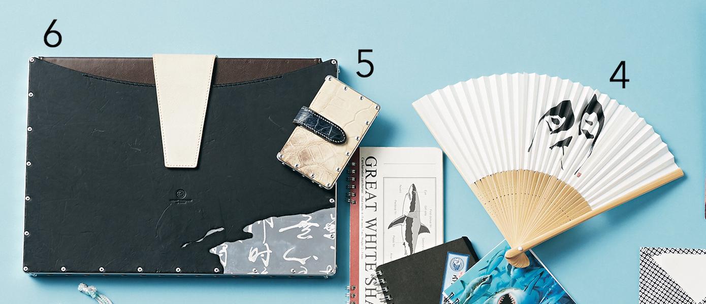 気鋭の書家アーティストのバッグは、ブルーで統一された物語のあるアイテムが美しい!【働く女のバッグの中身】_1_6