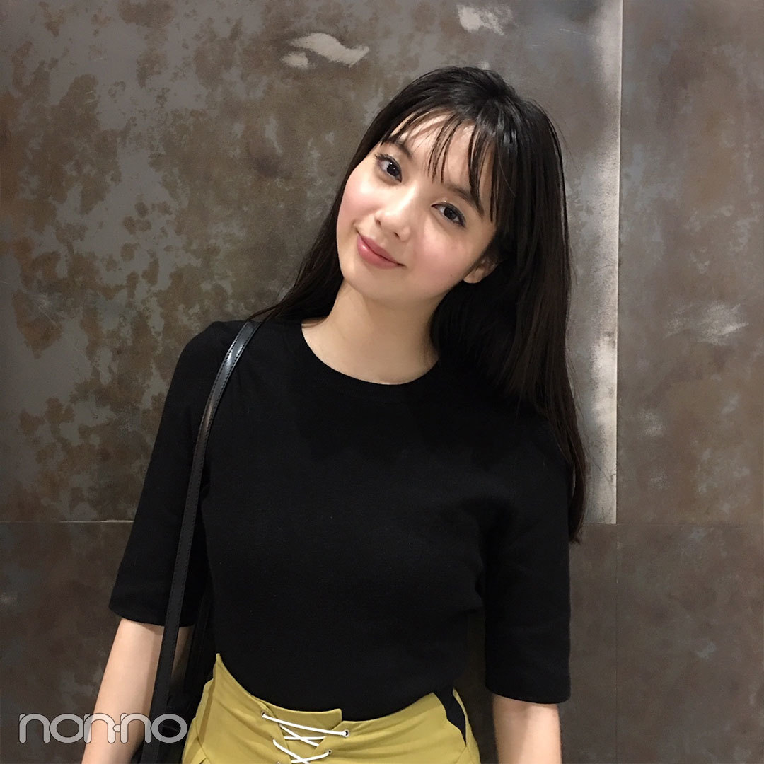 新川優愛の夏コーデ♡ FURFURのマスタード色パンツがさし色!【モデルの私服スナップ】_1_2-1
