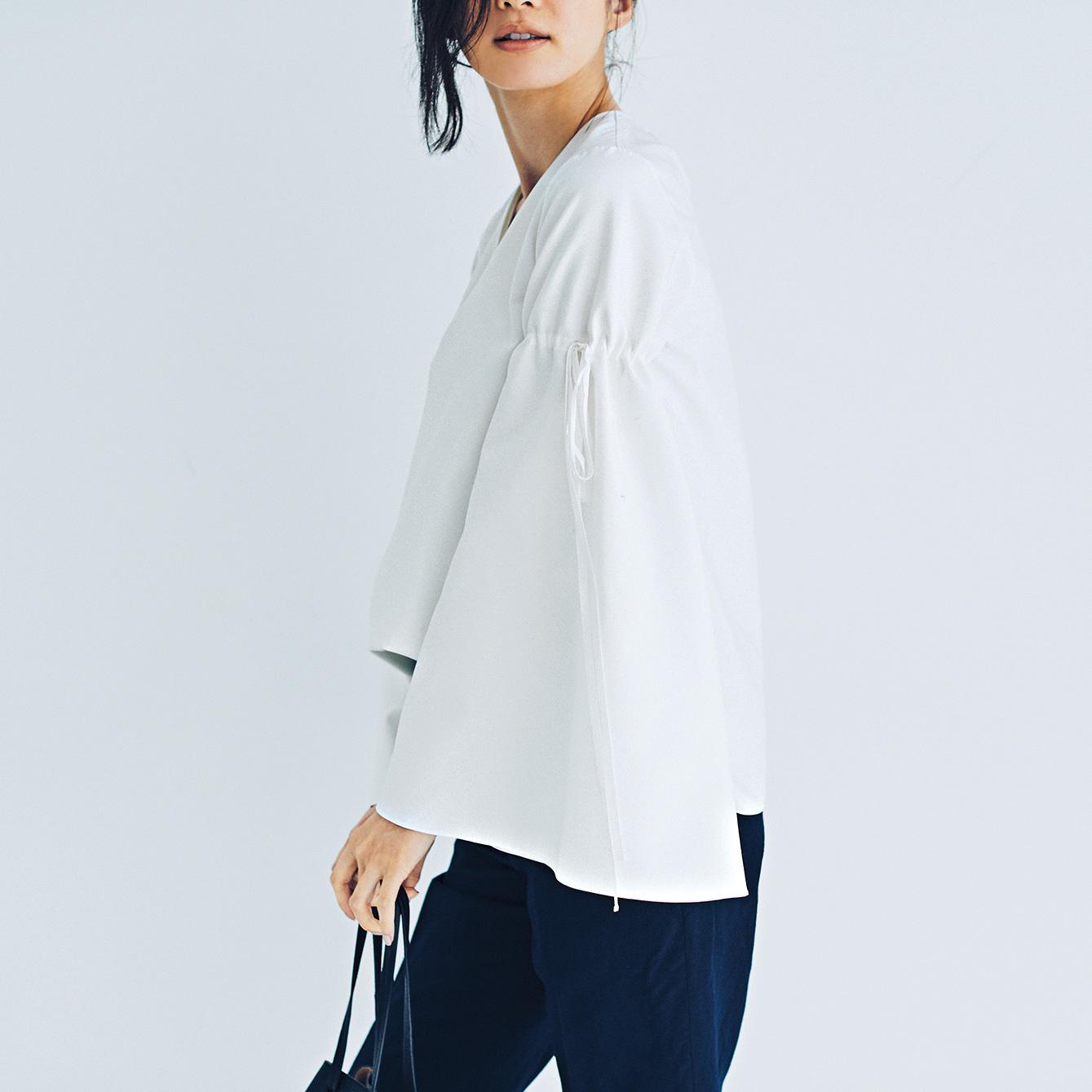 """どこから見ても素敵な""""白シャツ美人""""を目ざして。主張のある白シャツを1枚_1_1"""