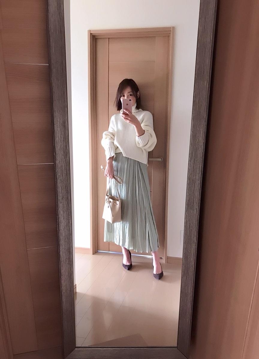 センスオブプレイスのスカート着画
