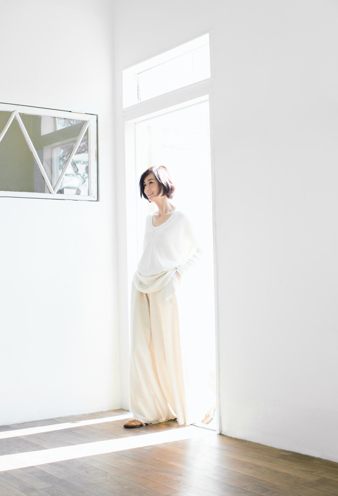 富岡佳子 、ウインターホワイトに包まれて 五選_4_1