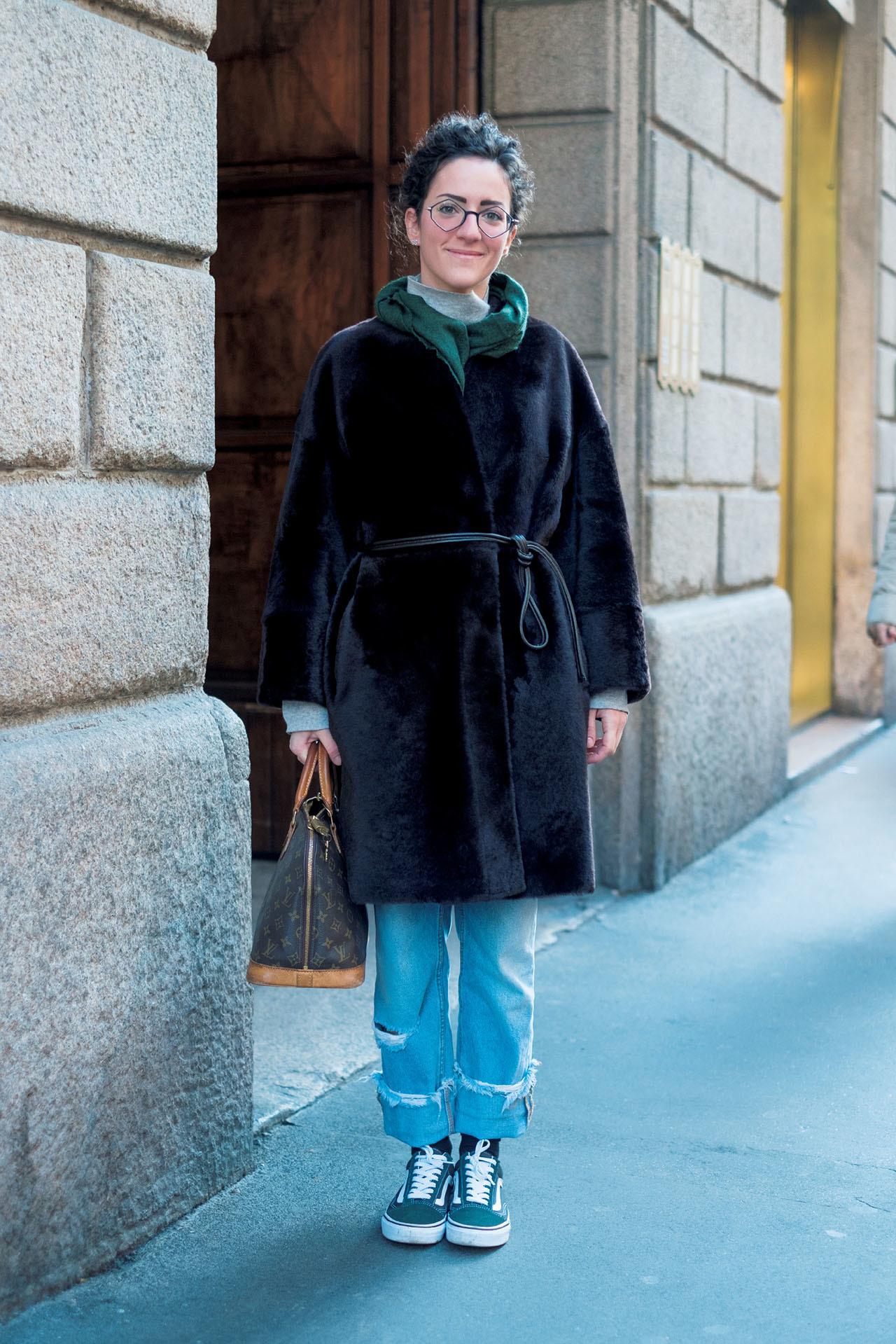 世界のマダムもまだまだスニーカーを履いている! 五選_1_1-3