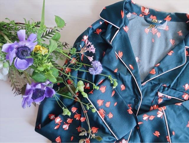 キャリー気分の一点投入服!H&Mパジャマ風サテンシャツで春はじめ_1_2