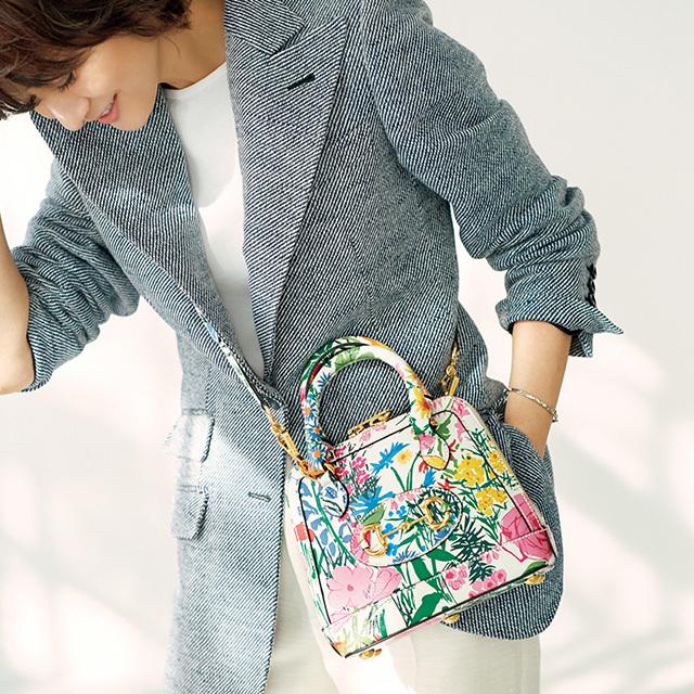 富岡佳子 グッチのフラワープリントバッグ