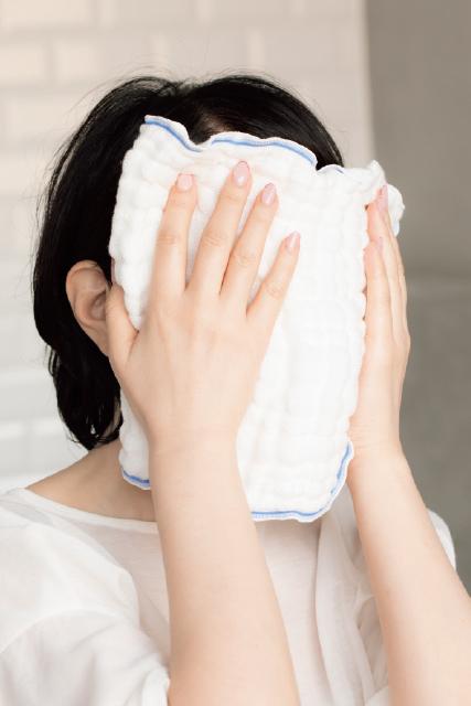<スーパードライ肌>アラフィーの潤いを守りぬく! 小林ひろ美式・美肌力を上げる洗顔テク_1_6