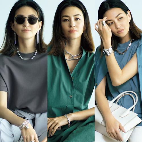 【上質シルバージュエリーコーデ6選】人気ブランドの逸品で旬の着こなしを格上げ!