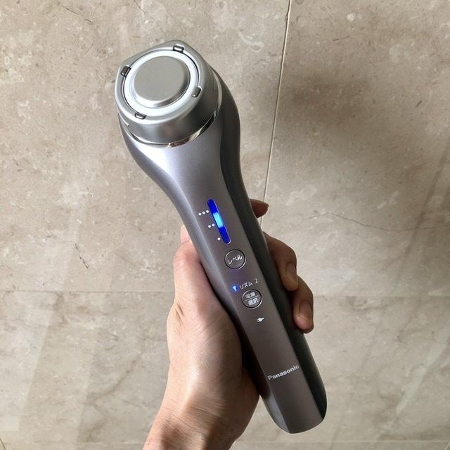 Panasonic Beauty の RF美顔器 EH-SR72