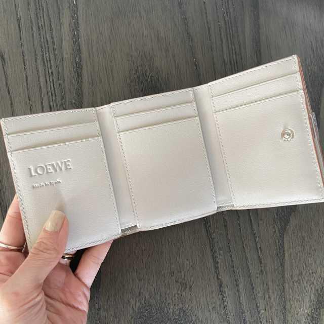 【LOEWE】新年を迎え、財布を新調しました!_1_2
