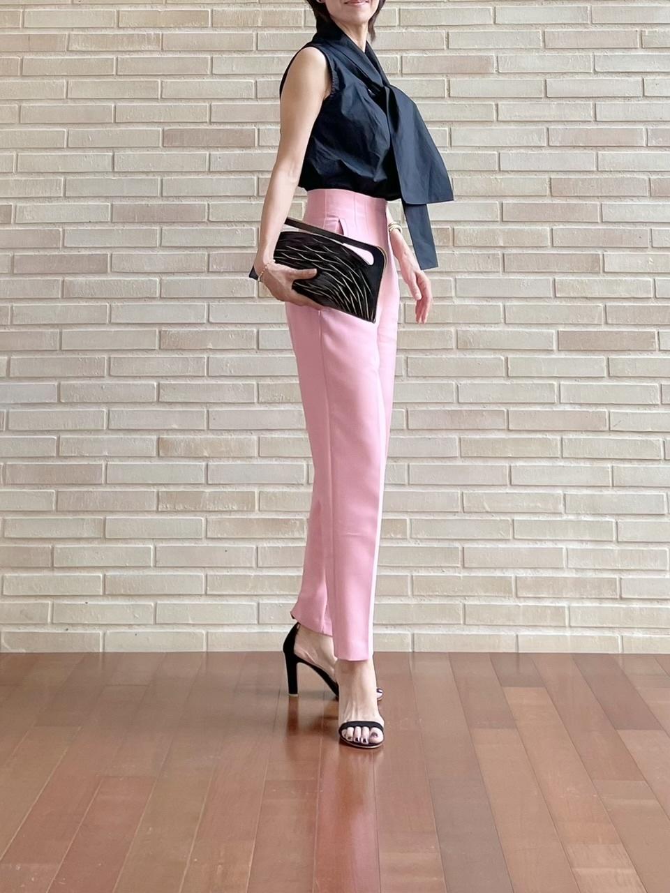 優しいピンクに黒を効かせて♡ピリッと甘辛コーデ_1_3