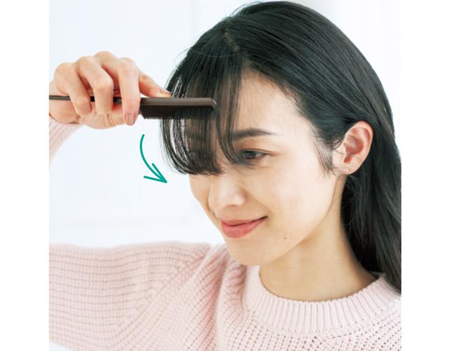 失敗したらすぐにアイロンをはずし、毛束が熱いうちにくしでとき、毛束を伸ばす