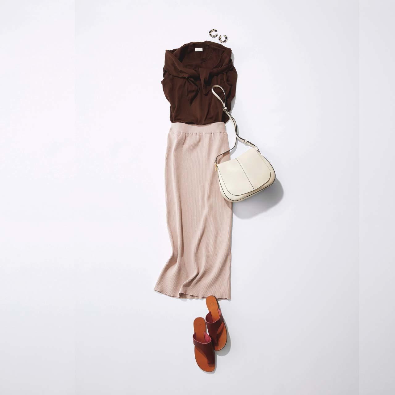 ニットのアンサンブル×タイトスカートの「スパイス ブラウン」コーデ