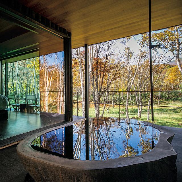 坐忘林(北海道・ニセコ)温泉は敷地内の源泉から引く。