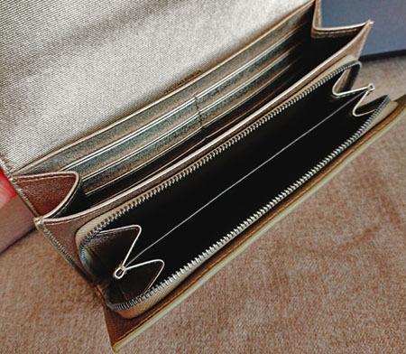 メタリックloverとは私のこと。ゴールドの財布はこれで4代目♡_1_2