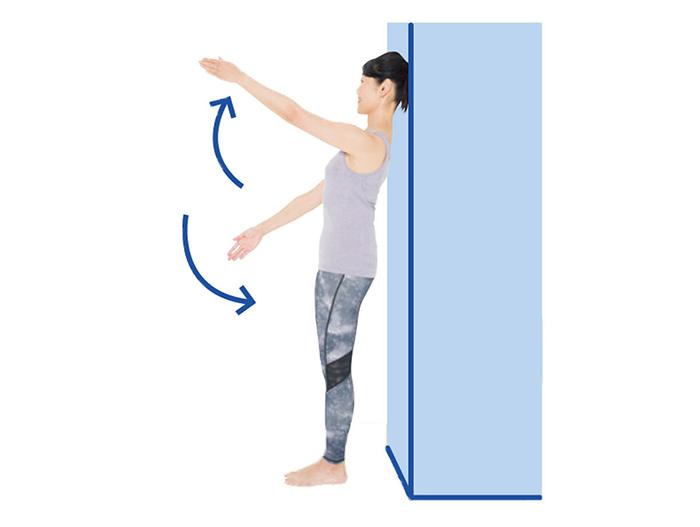 頭を正しい位置に戻す1:頭を後ろに戻すエクササイズ4