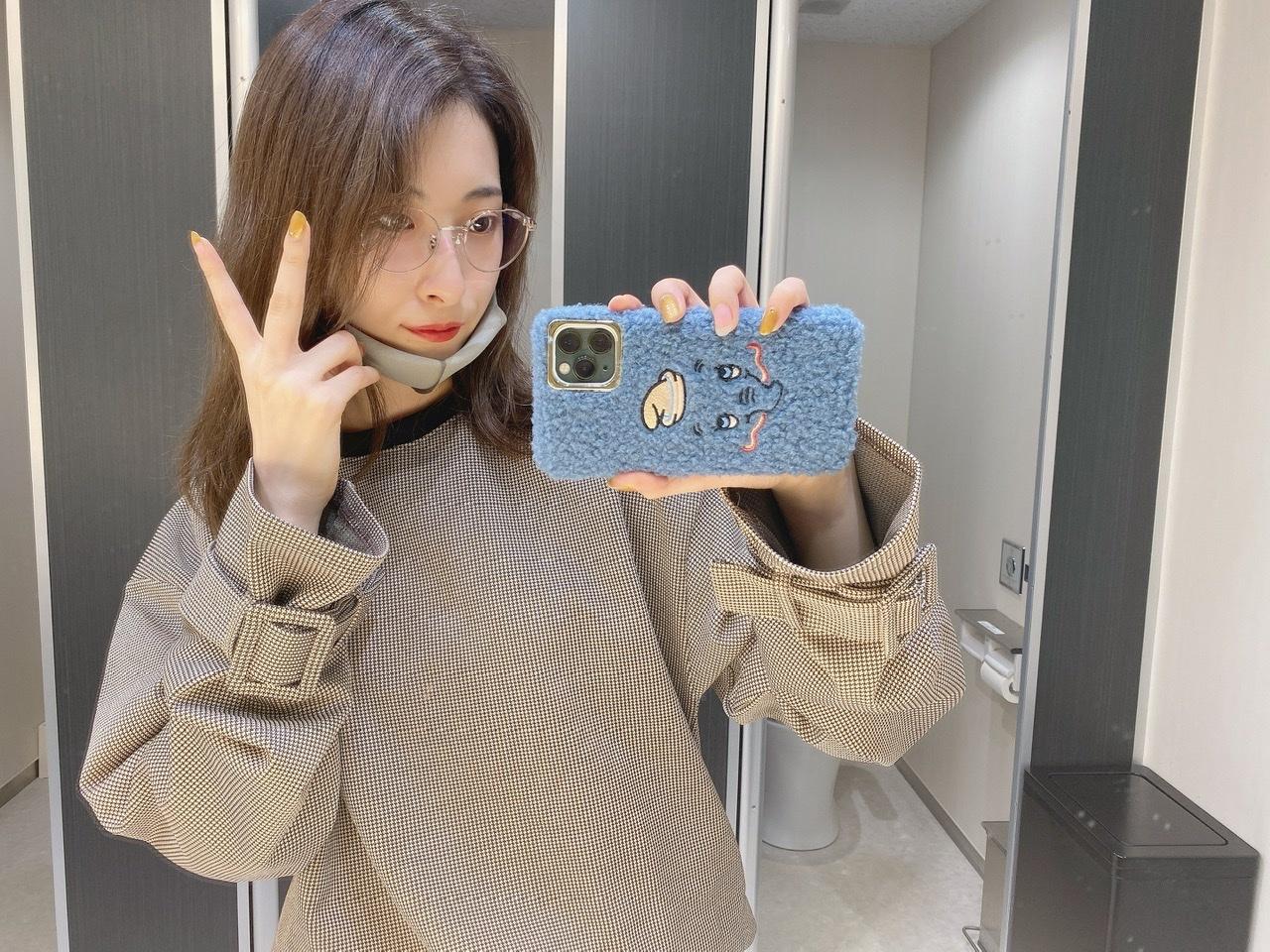 リップも服もiPhoneケースも可愛いから見てほしい。_1_1
