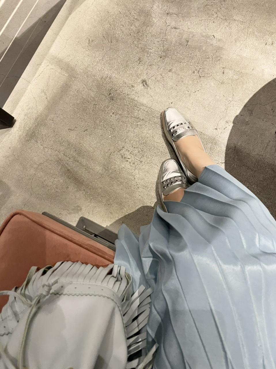 プリーツスカートは艶感がおすすめ_1_3